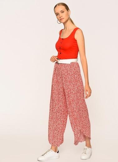 Loves You Yırtmaçlı Bol Baharlık Pantolon Kırmızı